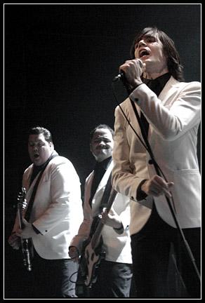 2004-01-23 - The Hives spelar på Stora Teatern, Göteborg