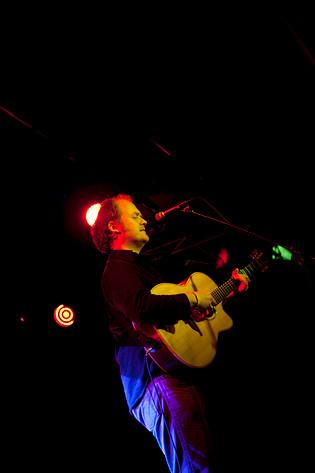 2009-02-04 - James Yorkston performs at Debaser Hornstulls Strand, Stockholm