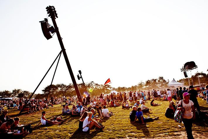 2009-07-02 - Områdesbilder performs at Roskildefestivalen, Roskilde