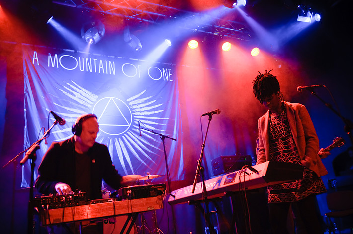 2009-11-18 - A Mountain of One performs at Debaser Medis, Stockholm