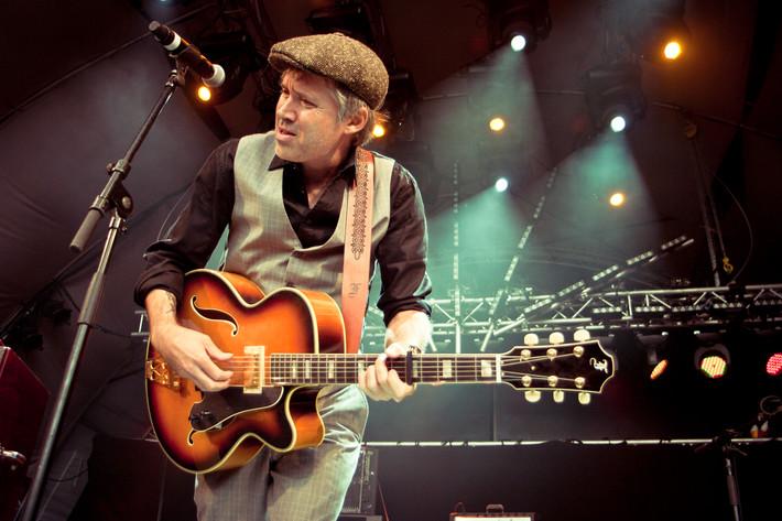 2011-08-19 - Andi Almqvist spelar på Malmöfestivalen, Malmö