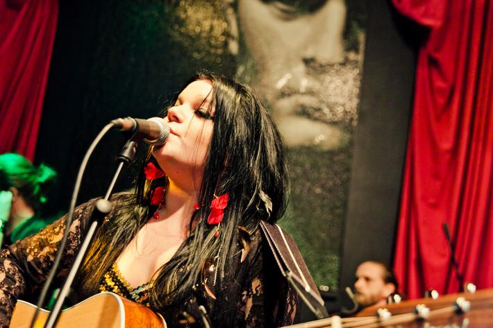 2011-10-31 - OhMyGod spelar på Underbara Bar, Stockholm