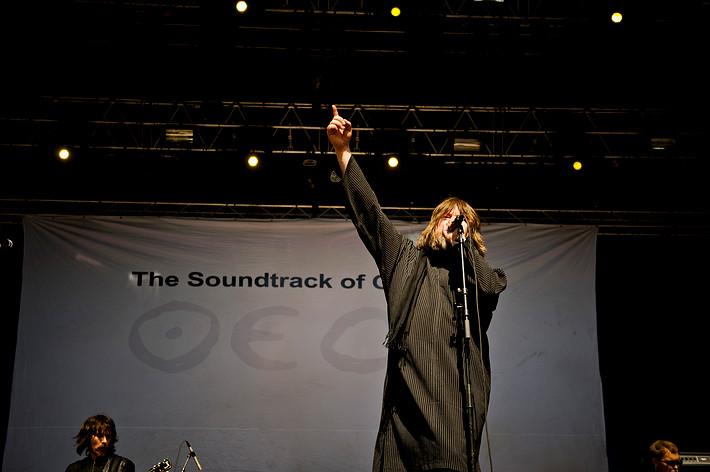 2012-06-15 - The Soundtrack Of Our Lives spelar på Hultsfredsfestivalen, Hultsfred
