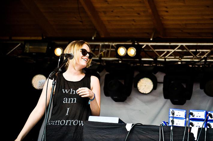 2012-07-28 - Little Jinder spelar på Emmabodafestivalen, Emmaboda