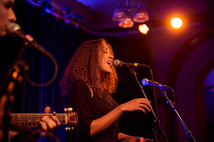 2014-10-31 - Sabina Ddumba & Melinda De Lange performs at Nalen, Stockholm