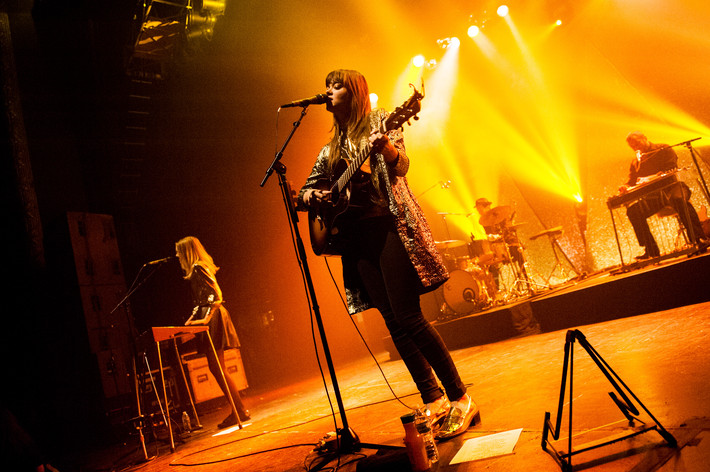 2014-11-22 - First Aid Kit spelar på The Vic Theatre, Chicago