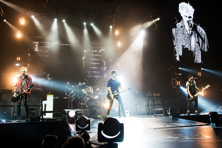 2016-06-01 - 5 Seconds of Summer performs at Globen, Stockholm