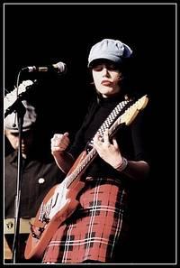 2003-05-29 - The Concretes spelar på Popaganda, Stockholm