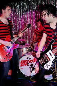 2004-05-22 - The (International) Noise Conspiracy spelar på München Atomic Café, München