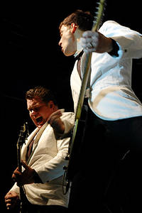2004-08-25 - The Hives spelar på Where The Action Is Sthlm, Stockholm