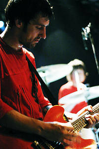 2004-10-08 - The (International) Noise Conspiracy spelar på The Tivoli, Helsingborg