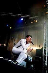 2006-07-08 - Håkan Hellström spelar på Peace & Love, Borlänge