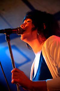 2006-07-28 - Penny Century spelar på Storsjöyran, Östersund