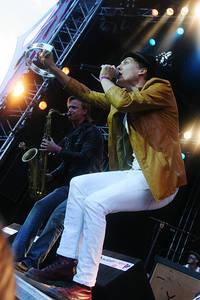 2005-07-16 - Håkan Hellström spelar på Arvikafestivalen, Arvika