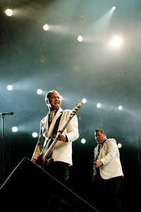 2005-06-18 - The Hives spelar på Hultsfredsfestivalen, Hultsfred