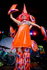 2007-07-27 - Ex-Girl spelar på Emmabodafestivalen, Emmaboda