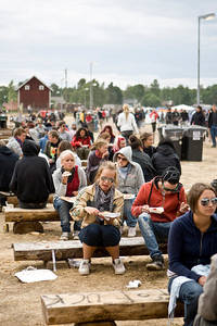 2008-06-11 - Områdesbilder performs at Hultsfredsfestivalen, Hultsfred