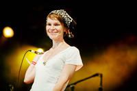 2008-07-04 - Anna Järvinen spelar på Arvikafestivalen, Arvika