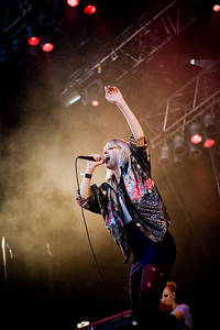 2009-07-31 - Veronica Maggio spelar på Storsjöyran, Östersund
