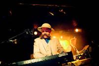 2009-10-10 - Bob Hund spelar på Debaser Hornstulls Strand, Stockholm