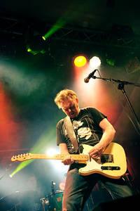 2010-07-30 - Mattias Alkberg spelar på Storsjöyran, Östersund