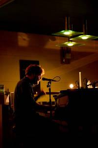 2011-10-21 - Loney, Dear spelar på Tegskyrkan, Umeå