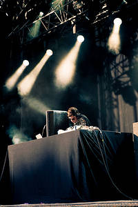 2012-05-26 - Rustie spelar på Dans Dakar, Stockholm